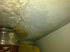undichter Dacheinlauf, undichtes Dach, Wassereintritt Dach, undichter Dachablauf